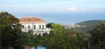 Terrazza vista mare – piscina e parco condominiali