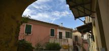 La casa all'isola d'Elba in collina per evitare l'afa e il caos